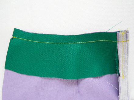 How to sew facings to a skirt waist