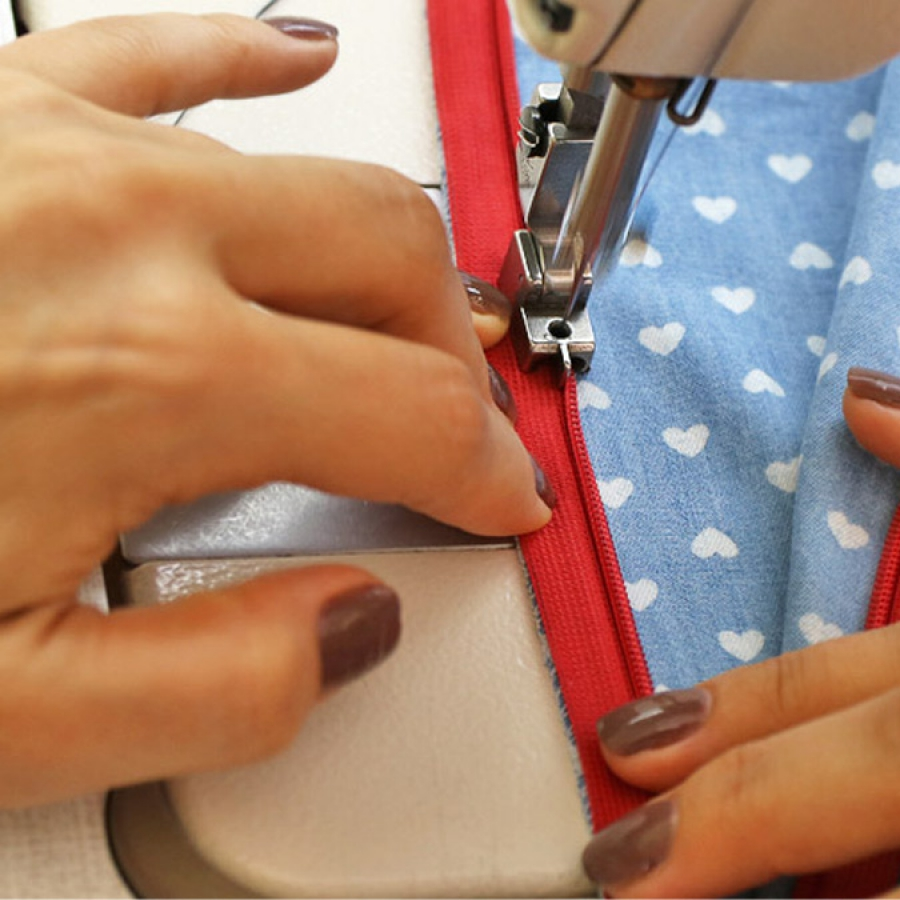 How to sew and shorten an invisible zipper