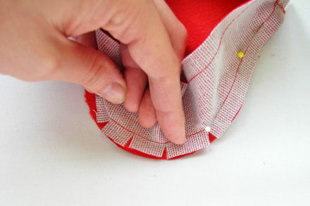 Clipping seam allowances - sewing technique