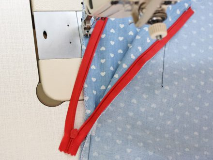 How to sew an invisible zipper - sewing the second side