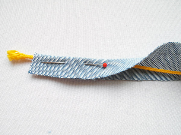 How to make piping with a cord inside